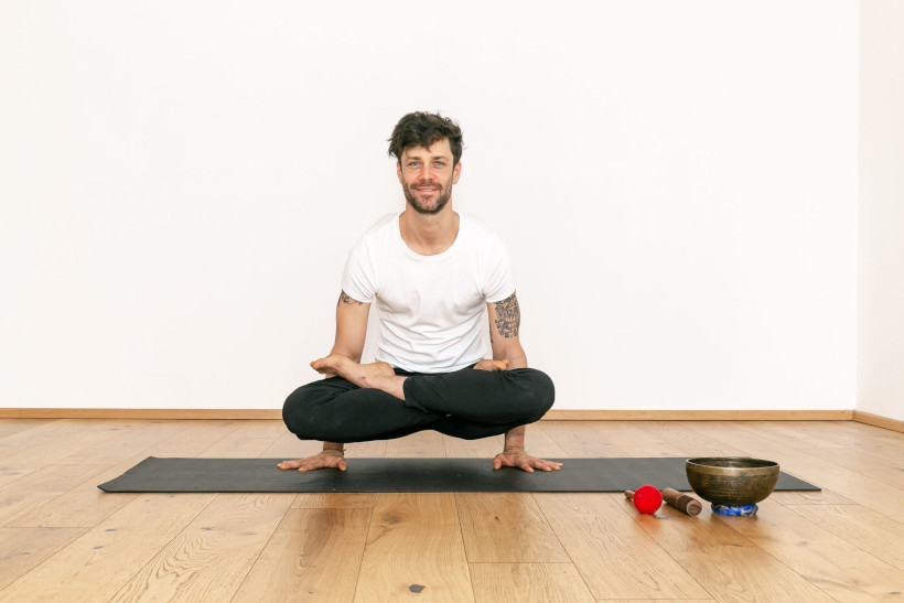 Männer Yoga_Koerpergut