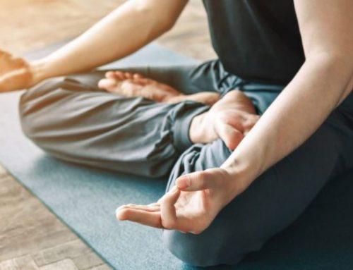 Warum gerade Männer Yoga machen sollten - Interview mit Yogalehrer und Physiotherapeut Christoph Petritsch
